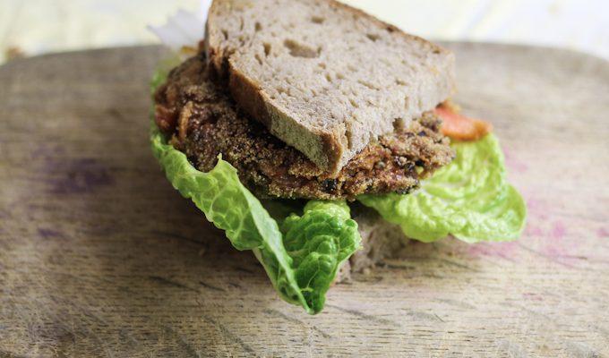 Vegetarischer Belugalinsen-Burger