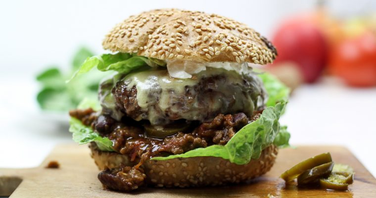 Habanero Chili con Carne Cheese Burger