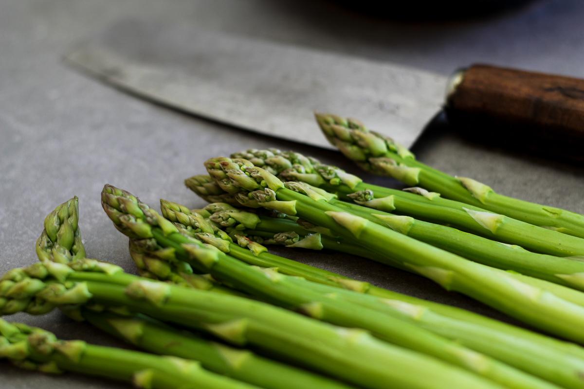 Grüner Spargel mit Couscous