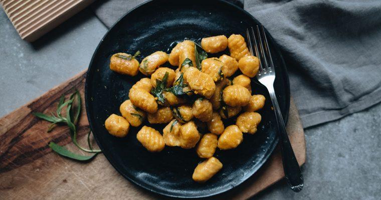 Kürbis-Gnocchi in Orangen-Estragon-Butter